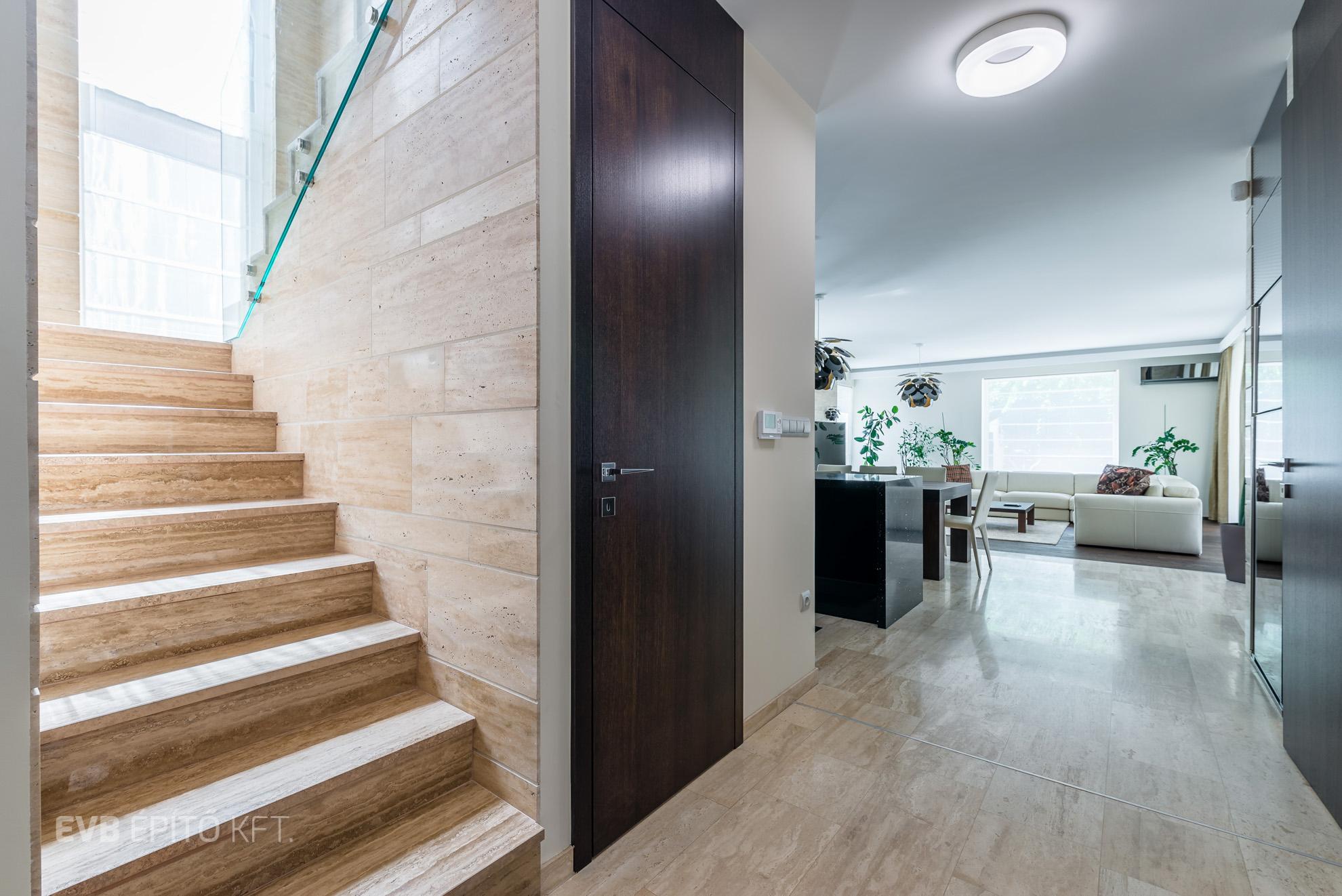 Budapesti Minimalista Családi Ház Építés